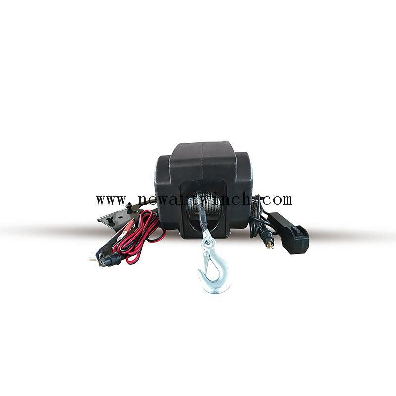 Small 2000 Lb Marine Boat Winch , Remote Control 12V Input Portable Power Winch