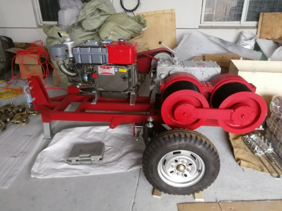 Diesel Engine Powered Cable Winch Puller For Tower Erection 9 HP